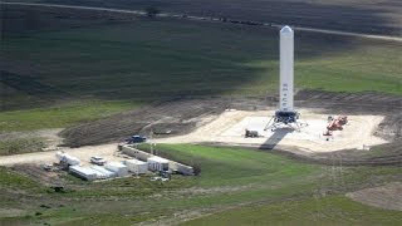 Вертикальная посадка космической ракеты Grasshopper