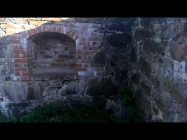 Развалины древнего замка в Финляндии