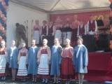 Детский коллектив(пели детки просто Супер!!и всё таки народные песни и костюмы всегда в Модеее!)