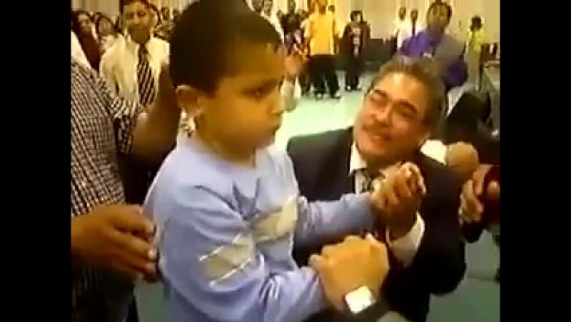 Хлопчик зцілений від церебрального паралічу Пуерто Ріко Boy healed of cerebral palsy Puerto Rico
