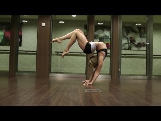 Прекрасное владение телом (Haley Viloria: contortion)