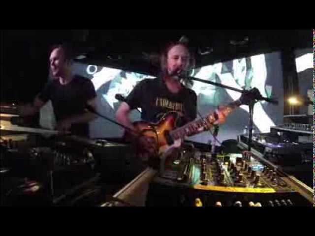 Atoms for Peace [Thom Nigel] at Le Poisson Rouge - Black Swan/Stuck Together Pieces