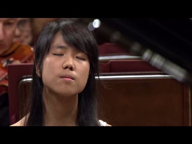 Kate Liu Piano Concerto in E minor Op 11 final stage of the Chopin Competition 2015