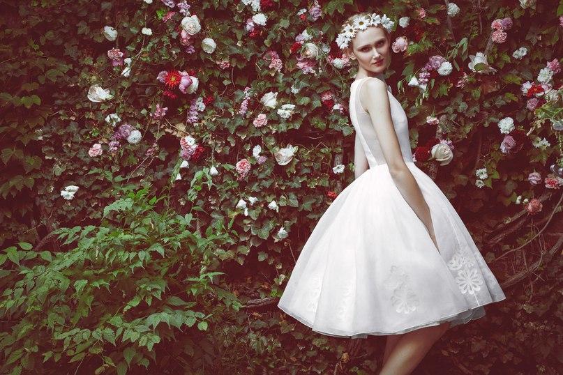 Hx1jY4WtBlc - 10 самых ожидаемых свадебных тенденций весны 2016