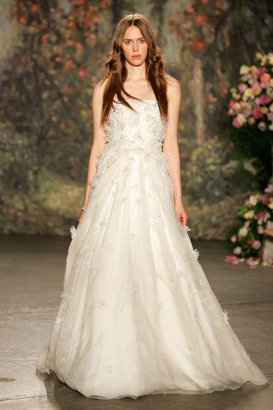 jSFUy MFlC4 - 10 самых ожидаемых свадебных тенденций весны 2016