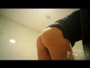 hidden camera in the toilet shaved pussy and anus closeup 720p вуайеризм скрытая камера порно подглядывания