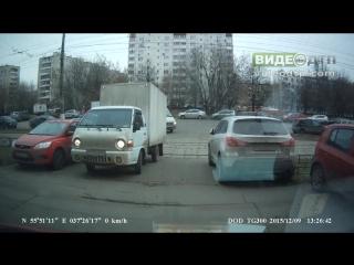 Авария Портер vs Трамвай на  регистратор | ДТП авария