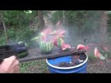 Стрельба с UZI по арбузам