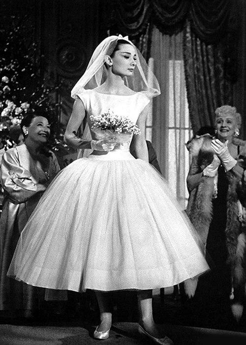 PGbSEroYbD8 - Свадебные платья Одри Хепберн