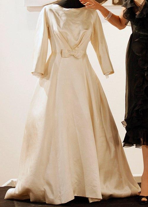 AfsC2I6opyY - Свадебные платья Одри Хепберн