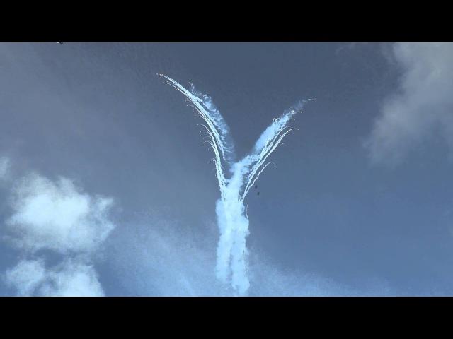 Крым Севастополь Пилотная группа Русские Витязи нарисовала Ангела в небе Кру