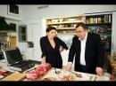 Гендиректор Дождя Наталья Синдеева жарит стейки на гриле BORK G801