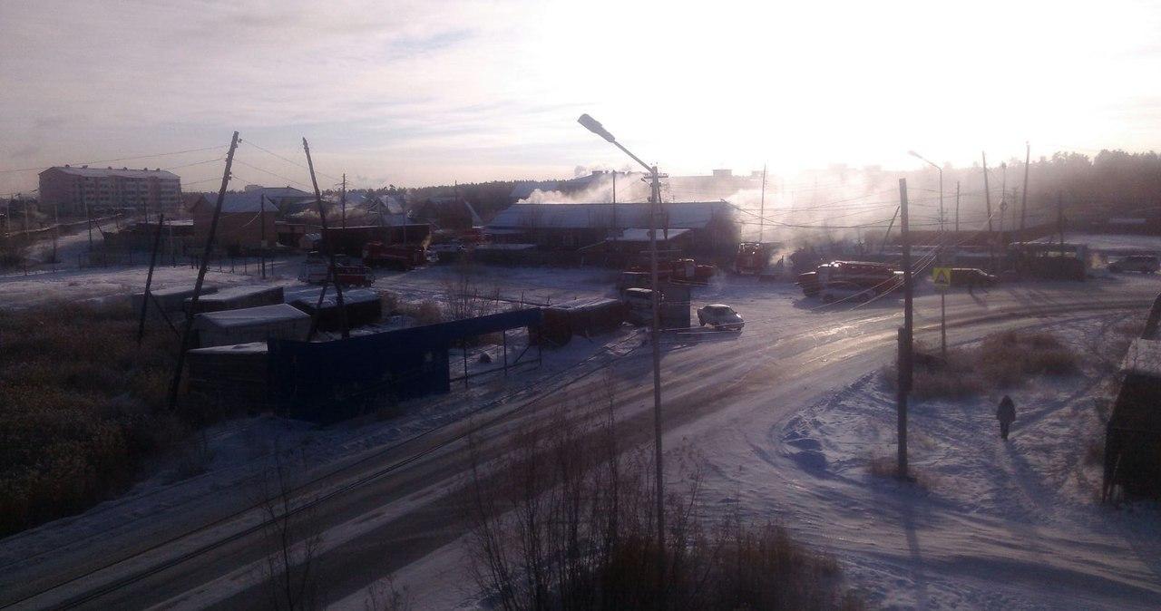 Сегодня в Якутске горел расселенный жилой дом по ул.Билибина
