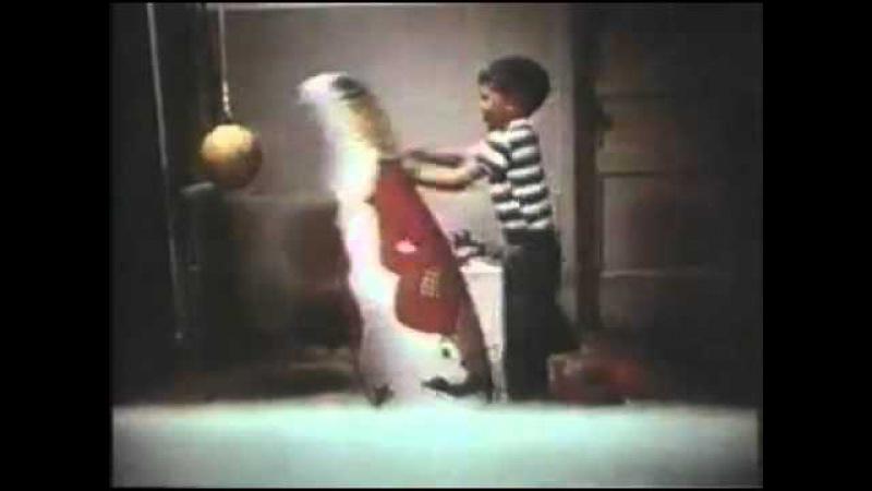 4. Эксперимент с Куклой Бобо — научение агрессивному поведению через наблюдение и имитацию.