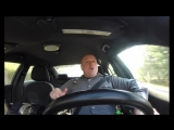 Полицейский танцует и поет в машине под песню Тейлор Свифт