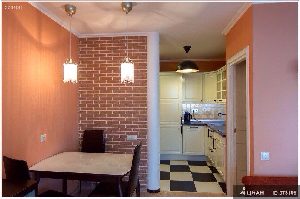 Квартира-студия 40 м2 в Митино (стиральная машинка под раковиной).