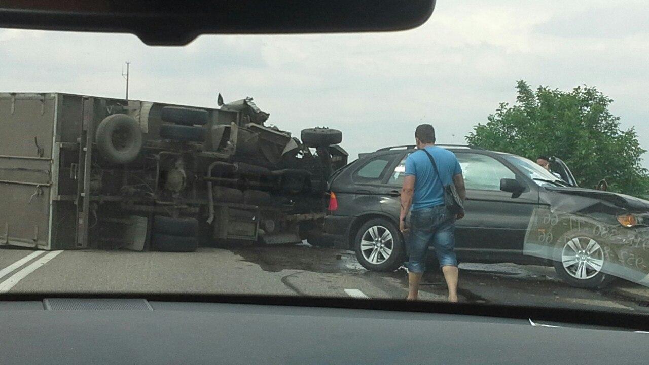 ДТП авария на 1340 км трассы М4 Дон в Краснодаре на шлюзах 22.06.2015