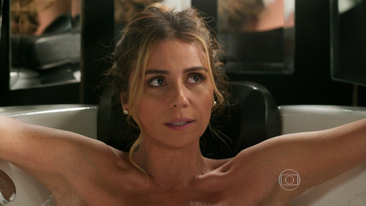 golaya-brazilskaya-aktrisa-dzhovanna-antonelli