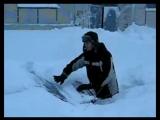 Видяево, Мурм. область. Откапывание машины из под снега