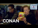 Conan Checks Out A PC Bang [KoryoSaramTV]