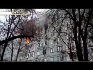 Момент падения мужчины с седьмого этажа дома в Волгограде сняли на видео
