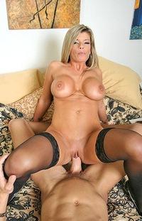Секс с мамой и мужчиной