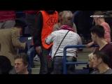 Русский фанат полетел вверх тормашками на ЧЕ по мини-футболу