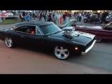 Dodge Charger RT 1968 fazendo um lindo Burnout