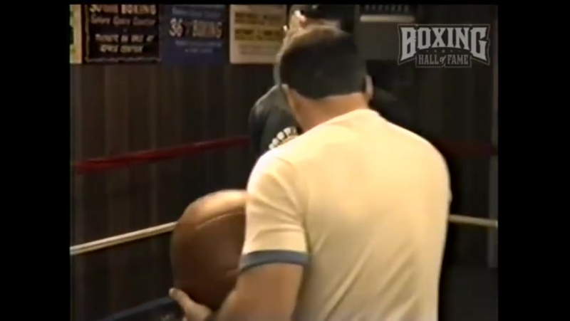 Mike Tyson Destroys Another Medicine Ball | С.А.М | STRONG DIVISION |