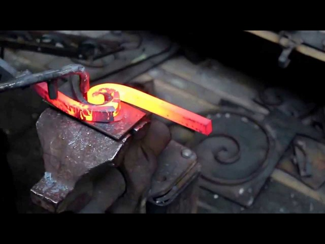 How to forge a wrought iron double spiral