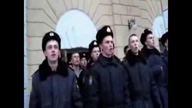 В Севастополе курсанты Нахимовского училища пели гимн Украины на поднятии флага РФ