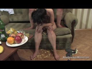 Real Drunken Mom (mature, MILF, BBW, мамки - порно со зрелыми женщинами)