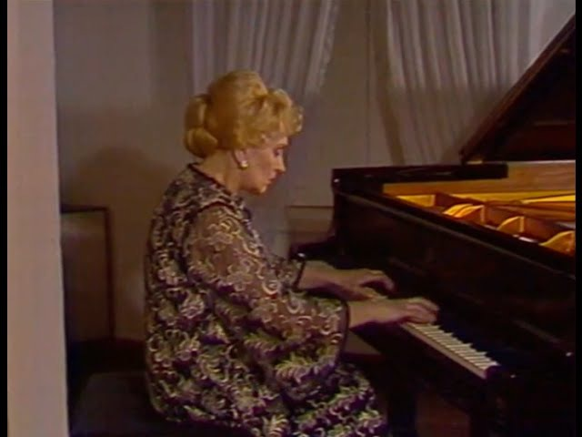 Halina Czerny-Stefanska plays Chopin Grande valse brillante, op. 18 - video