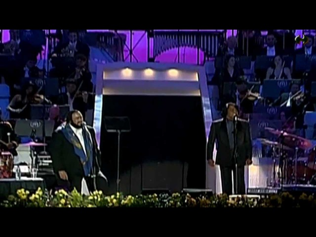 Luciano Pavarotti and friends James Brown - Its a mans world - [HD] by Newoaknl