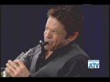 Dave Koz performing