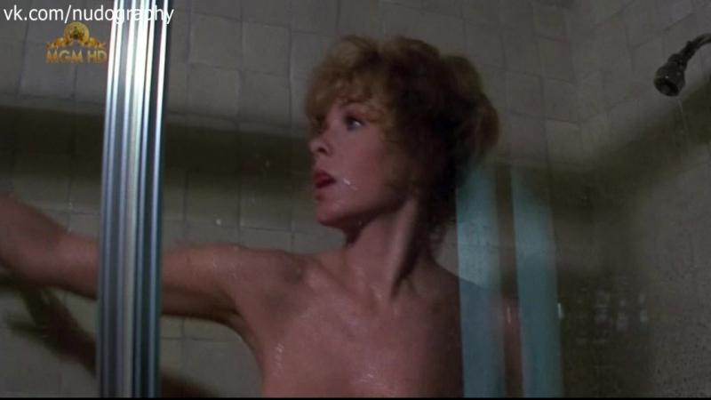 Стелла Стивенс (Stella Stevens) в душе в фильме Бойня (Слотер, Slaughter, Kill Julian Drake, 1972, Джек Старретт)