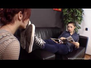 sweatremover.com — Sneakers and socks foot worship pt.1 (foot fetish, femdom, фут фетиш, лездом, фемдом)