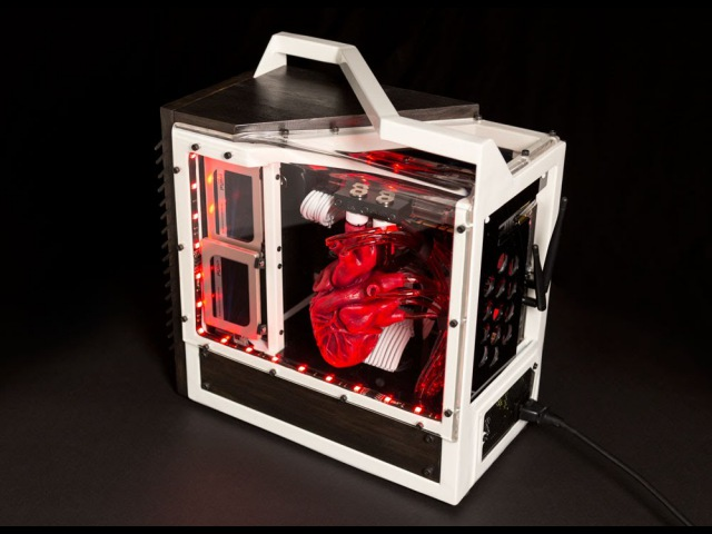 PC modding with Crucial and Ballistix: Benny's Caged Heart build