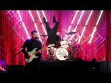 Panic! At the Disco Performs 'Victorious'