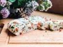 Домашний сыр с паприкой и зеленью рецепт