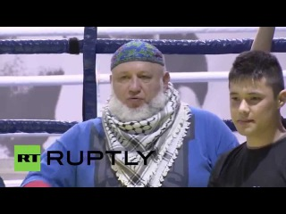 Russia: Martial arts school teaches how to fight with a selfie stick