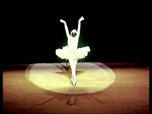 Танцует балерина Галина Уланова, 1954 год, Москва, кинохроника