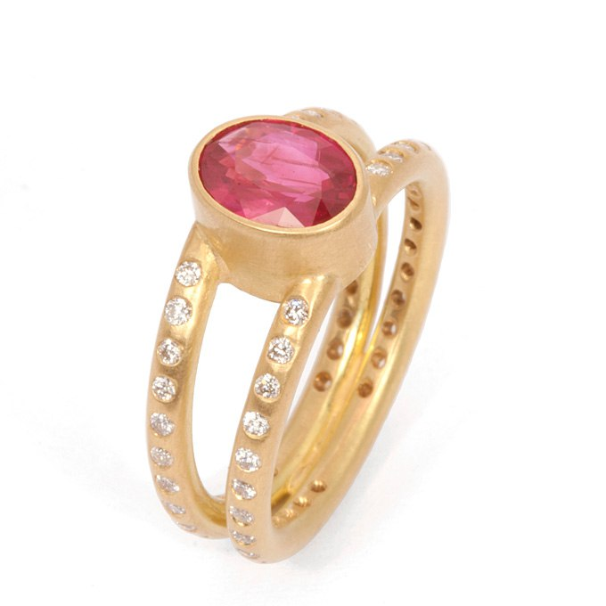 UoPqbNg3aCI - Розовые обручальные кольца (25 фото) - 2