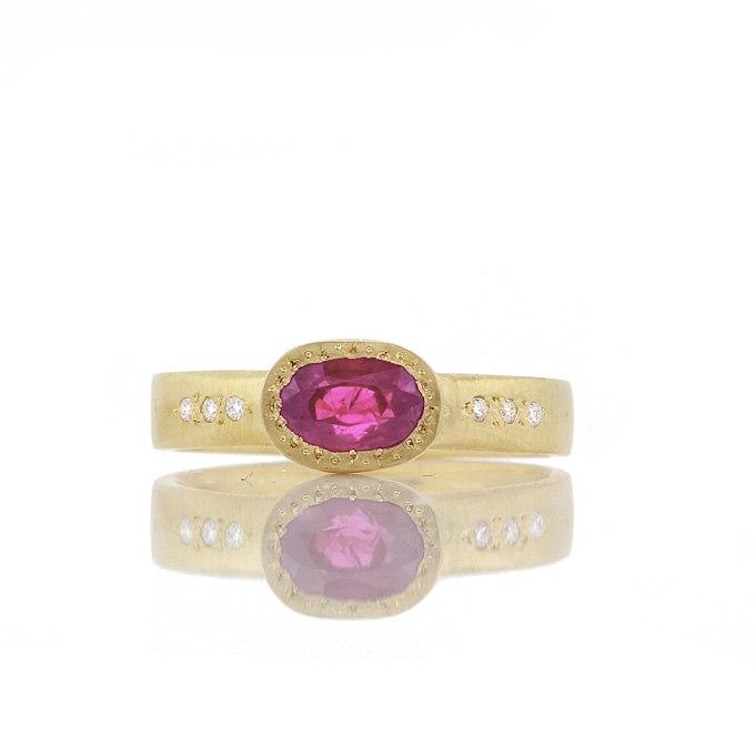 wntz2Zv68dM - Розовые обручальные кольца (25 фото) - 2