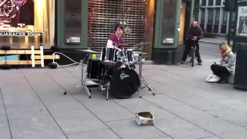 Виртуоз барабанщик Virtuoso drummer