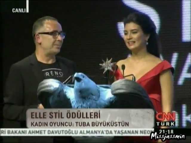 Tuba Büyüküstün Yilin Kadin Oyuncusu - Elle Style Awards