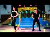 Juan y Aurora bailan como John Travolta y Olivia Newton John