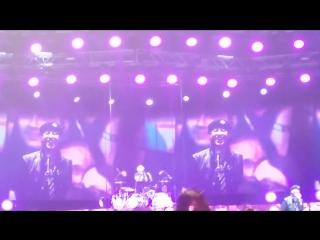 С Днём рождения, Клаус! Поздравление во время концерта группы Scorpions в Санкт-Петербурге. 2015