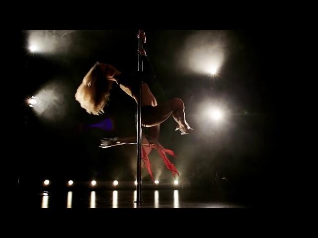 Pole Dance, пол дэнс. Красивый танец девушки на пилоне. Стрип пластика. Босоножки Стрипы Полусапожки