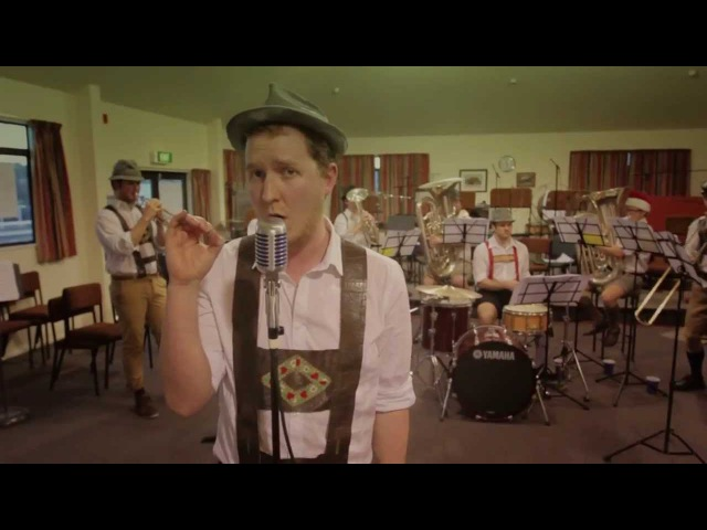 Roar by Katy Perry - Matt Mulholland The Steinbenders (Official Beer Band Cover)